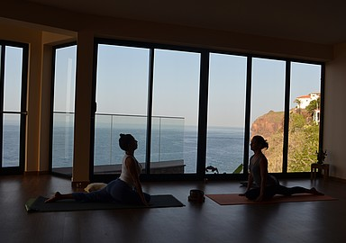 Inspirerende yoga vakanties in het Alpino Atlantico Hotel in Madeira, aangeboden door SIS Spa in Spain